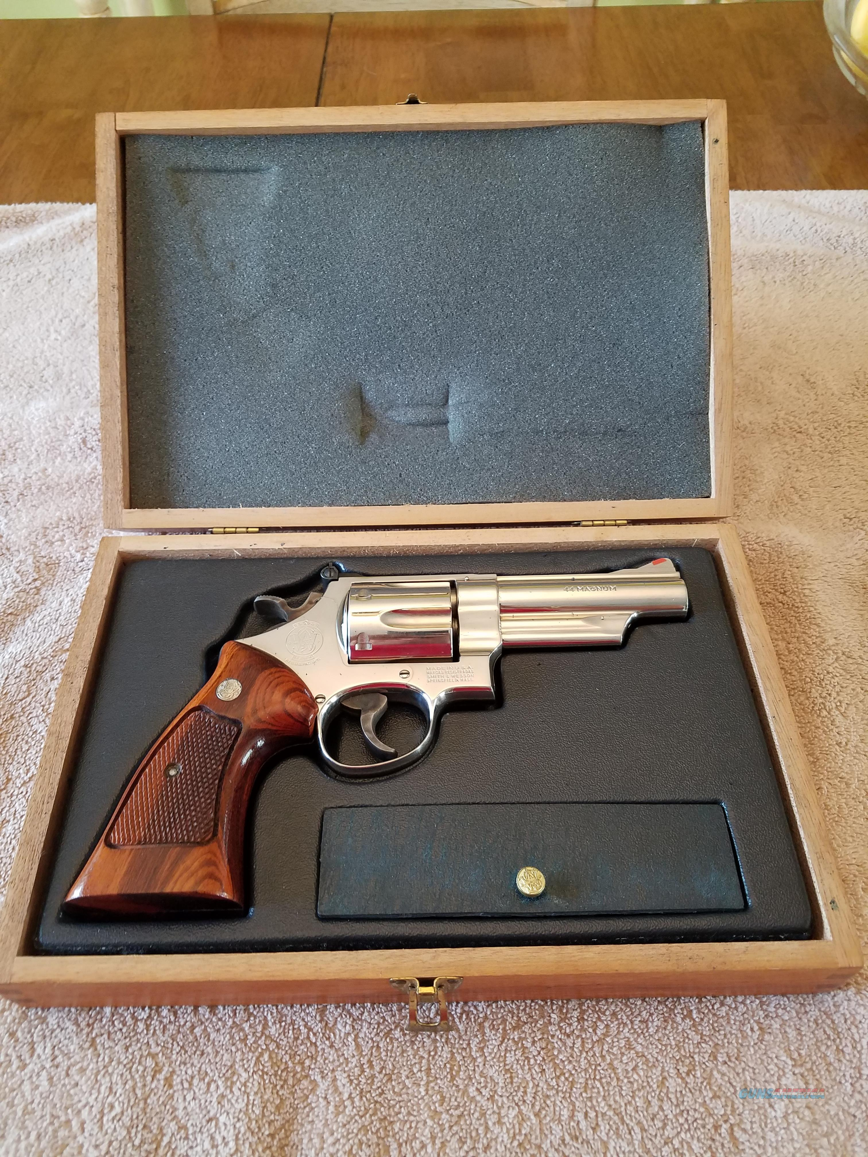 Smith & Wesson revolver model 29-2  44 magnum N suffix  Guns > Pistols > Smith & Wesson Revolvers > Full Frame Revolver