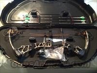 Brand New 2013 Mission Ballistic Compound Bow Package by Matthews  Non-Guns > Archery > Bows > Compound