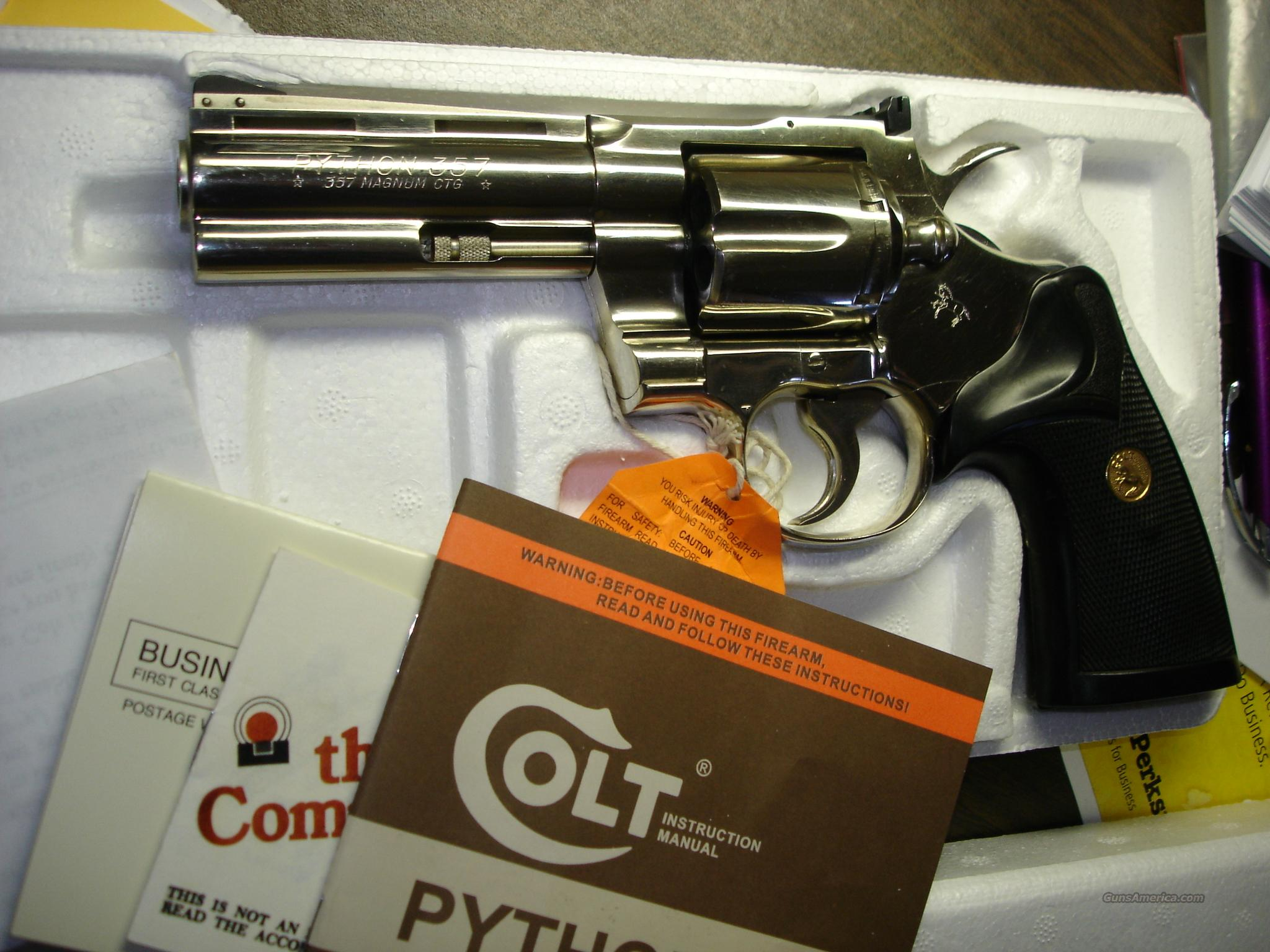 "COLT PYTHON 4"" Nickel, box - p/w  Guns > Pistols > Colt Double Action Revolvers- Modern"