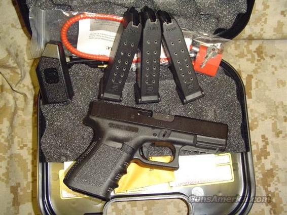 Glock 19 9mm with 3 mags 15 round new in box   Guns > Pistols > Glock Pistols > 19