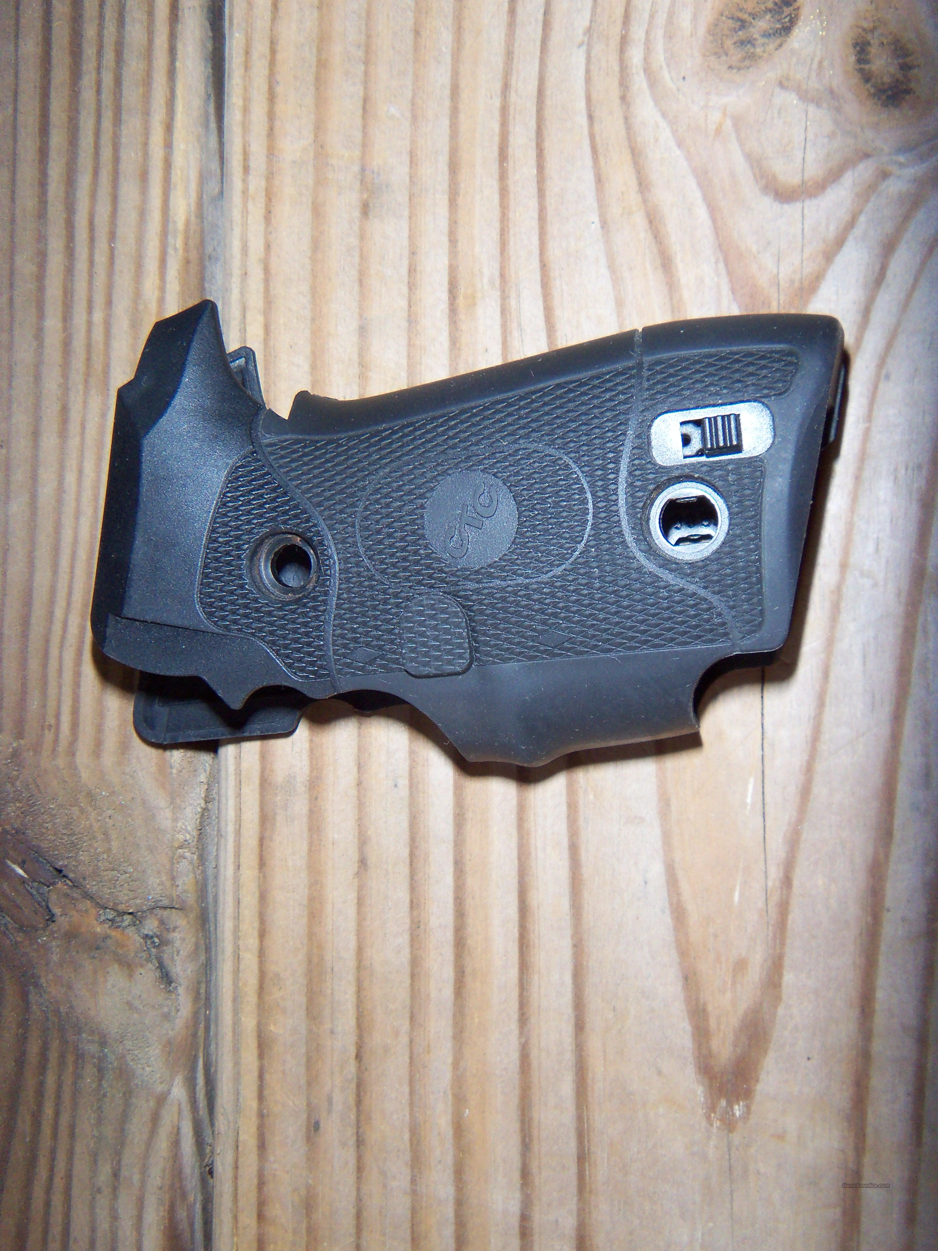 Excellent Crimson Trace LG-329 Sig 228/229 Grips  Non-Guns > Gunstocks, Grips & Wood