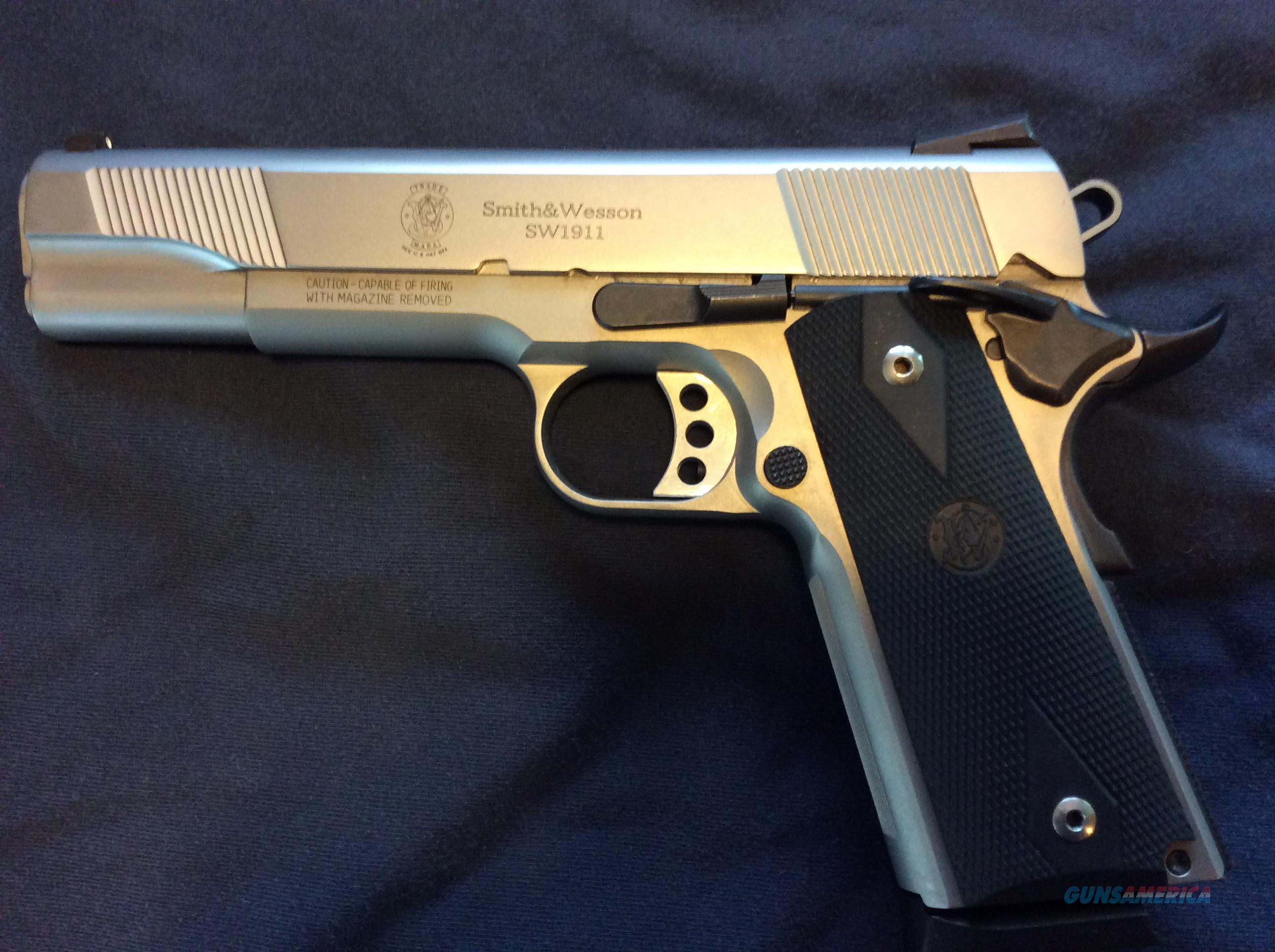 "S&W 1911 SS 5"" WITH ONE 8RD MAG (USED LIKE NEW) FREE S/H  Guns > Pistols > Smith & Wesson Pistols - Autos > Steel Frame"