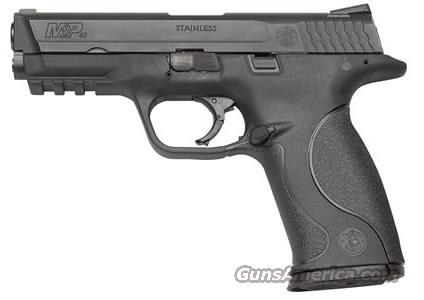 Smith and Wesson M&P40 40SW With Illuminating Sights  Guns > Pistols > Smith & Wesson Pistols - Autos > Polymer Frame
