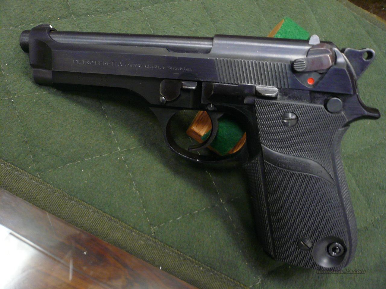 92S Early Model European mag release  Guns > Pistols > Beretta Pistols > Model 92 Series
