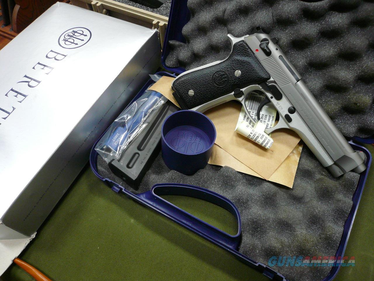 92FS-INOX ( ITALIAN MADE)  S/S,9MM NIB  Guns > Pistols > Beretta Pistols > Model 92 Series