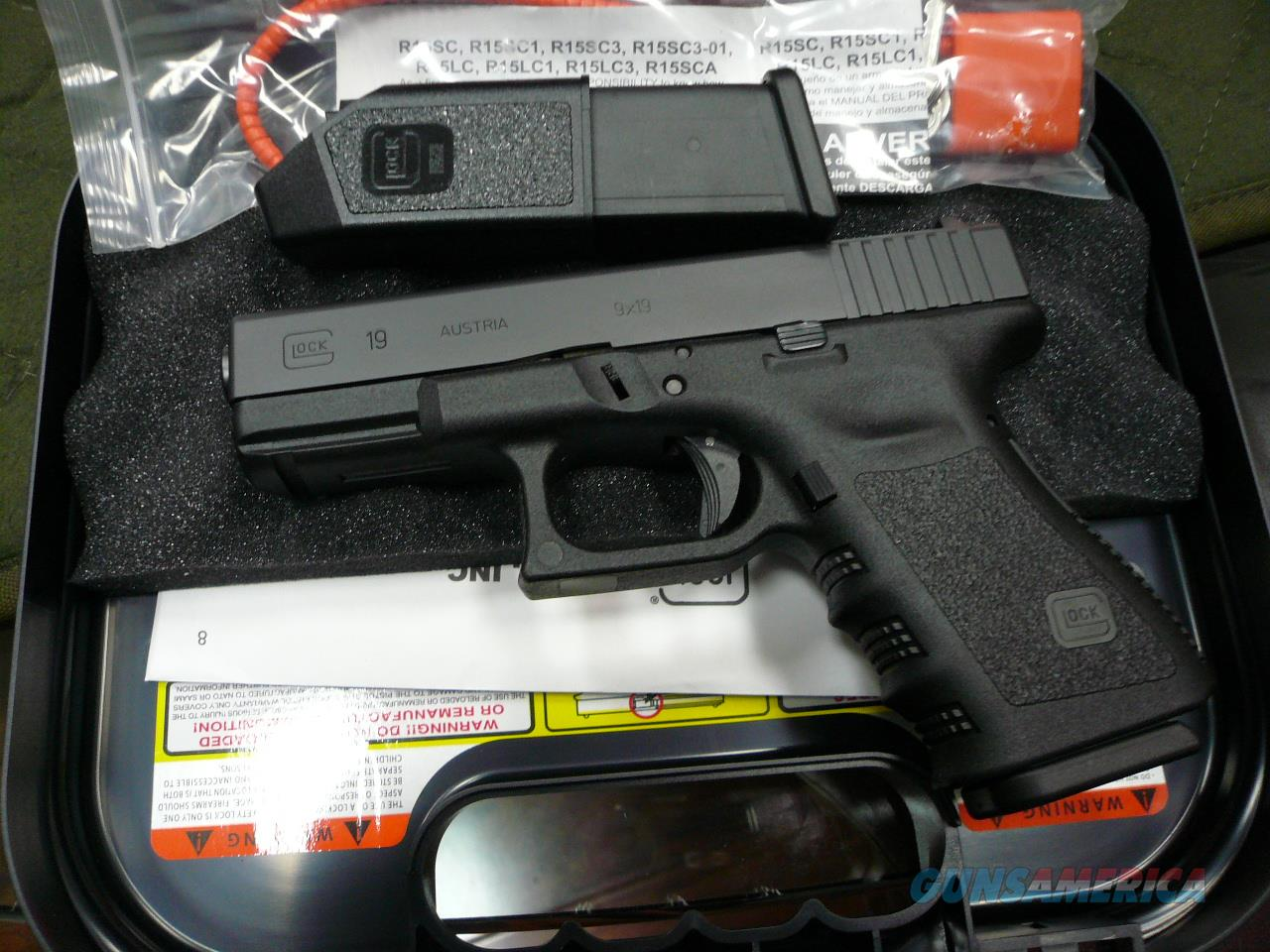 MODEL-19 9mm (2-10rd mags)NIB  Guns > Pistols > Glock Pistols > 19