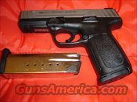 Smith and Wesson SD40VE, 2 Magazines  Guns > Pistols > Smith & Wesson Pistols - Autos > Polymer Frame