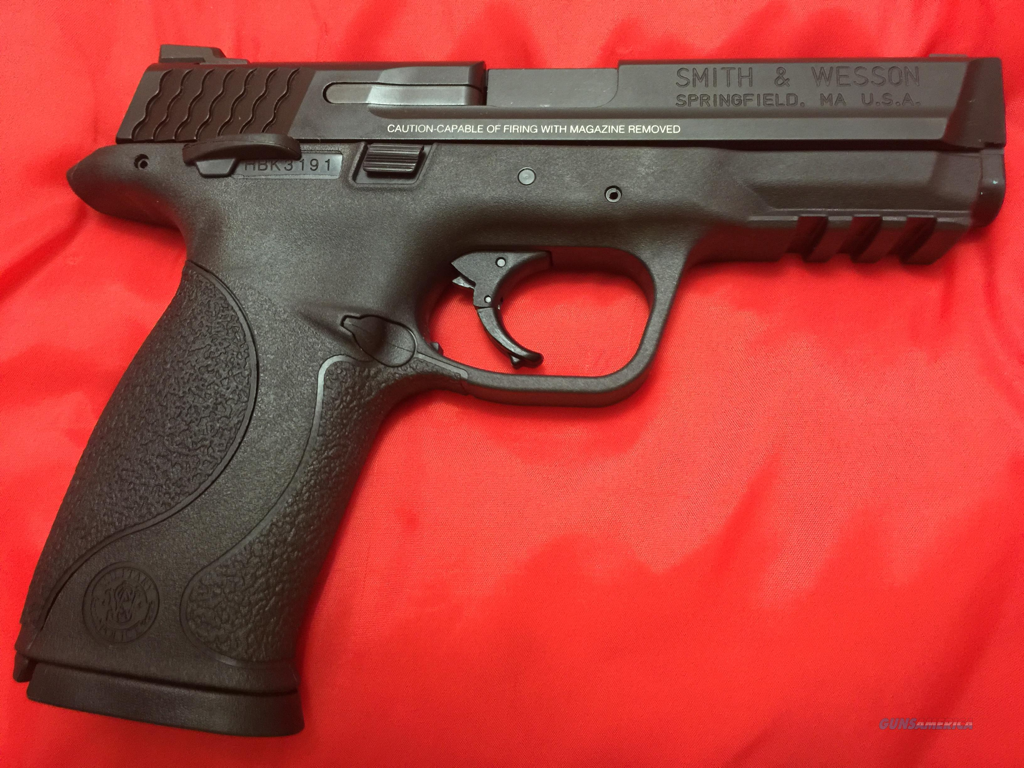 Smith and Wesson M&P 9mm with two 17 round magazines  Guns > Pistols > Smith & Wesson Pistols - Autos > Polymer Frame