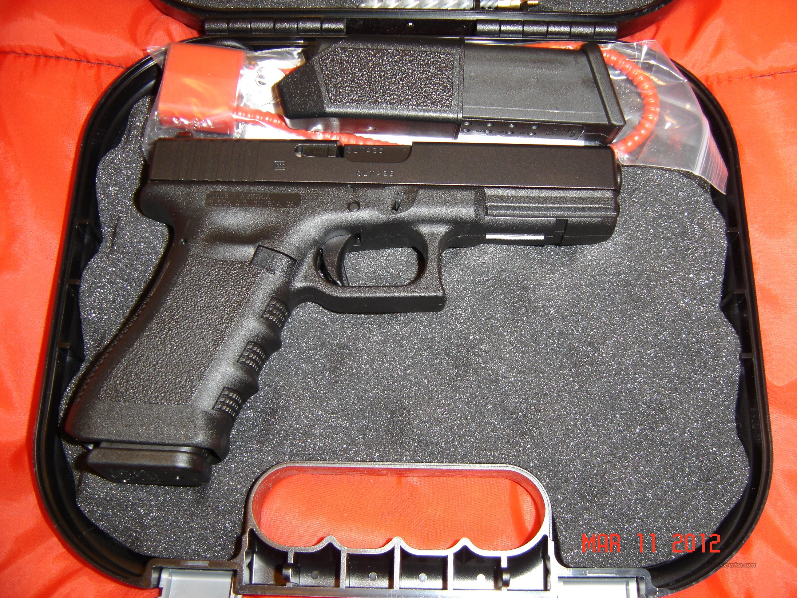 Glock 17, 9mm, Trijicon NS   Guns > Pistols > Glock Pistols > 17