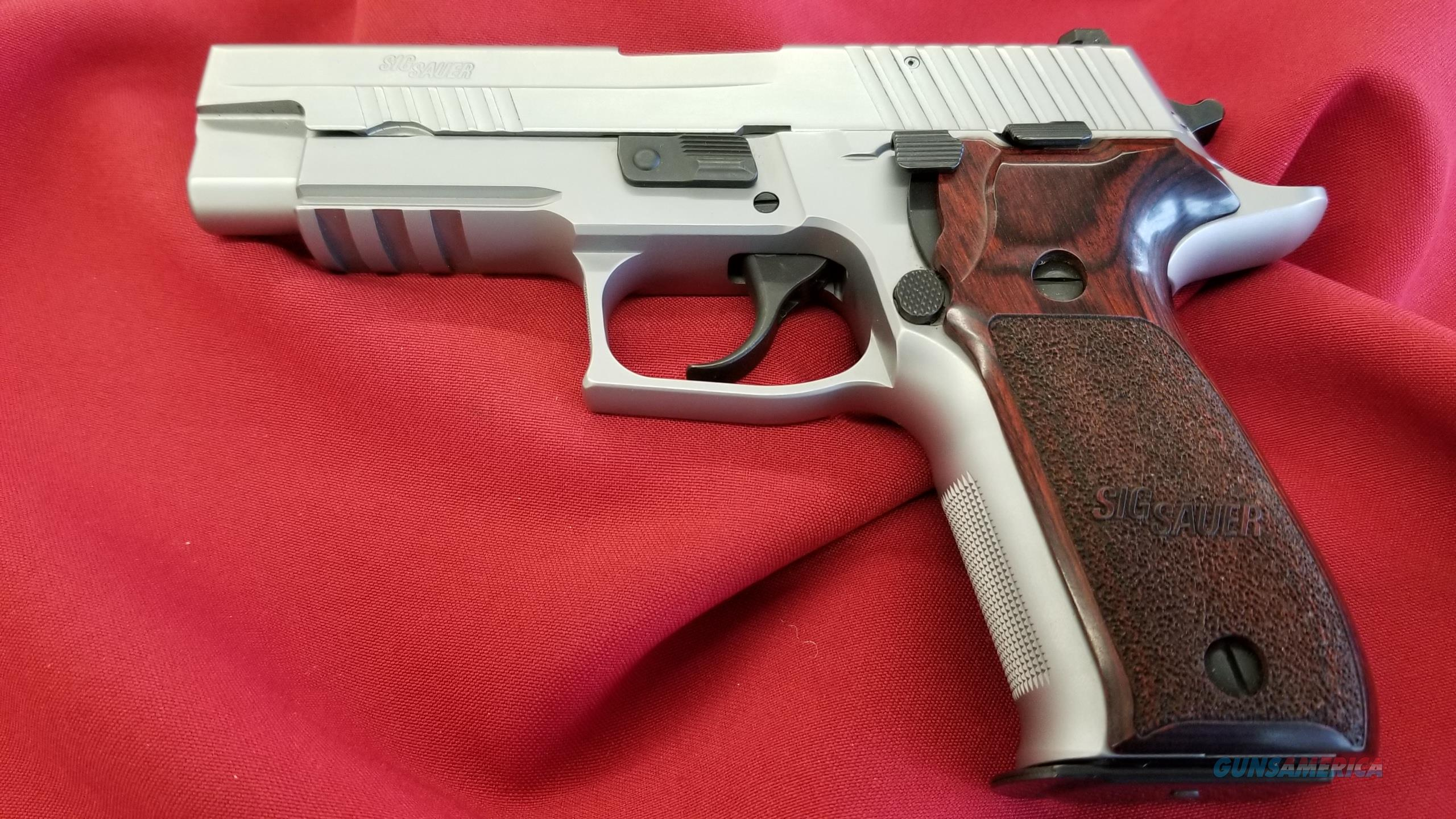 Pre-Owned Sig Sauer P226 Elite 9mm w/ (2) 15 Round Mags  Guns > Pistols > Sig - Sauer/Sigarms Pistols > P226
