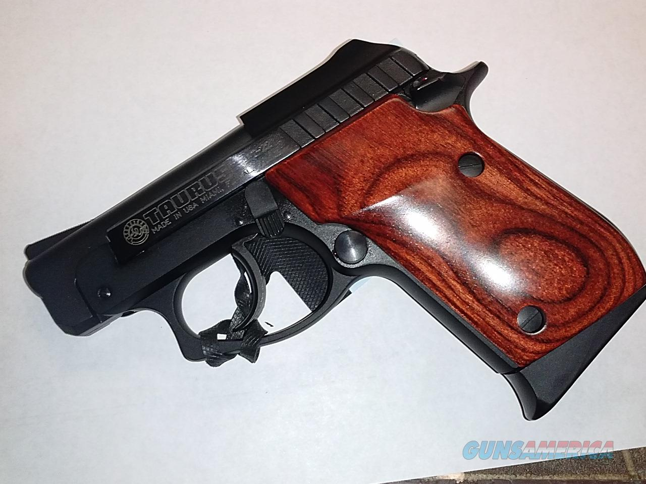 Taurus PT-22 - Used but Really New  Guns > Pistols > Taurus Pistols/Revolvers > Pistols > Steel Frame