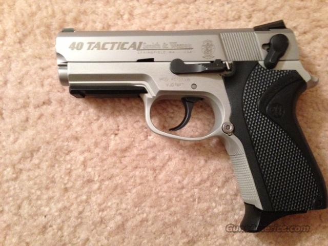 "Smith and Wesson ""40 Tactical"" .40 Cal Tactical Stainless Steel Alloy Frame  Guns > Pistols > Smith & Wesson Pistols - Autos > Alloy Frame"