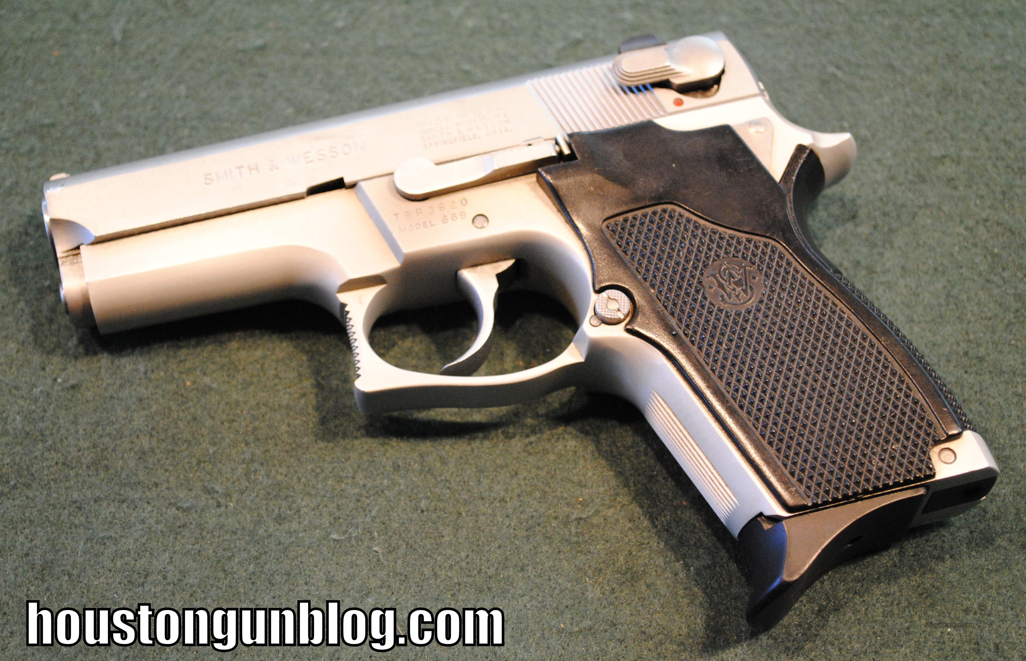 Smith and Wesson 669 DA/SA 9mm Pistol  Guns > Pistols > Smith & Wesson Pistols - Autos > Alloy Frame