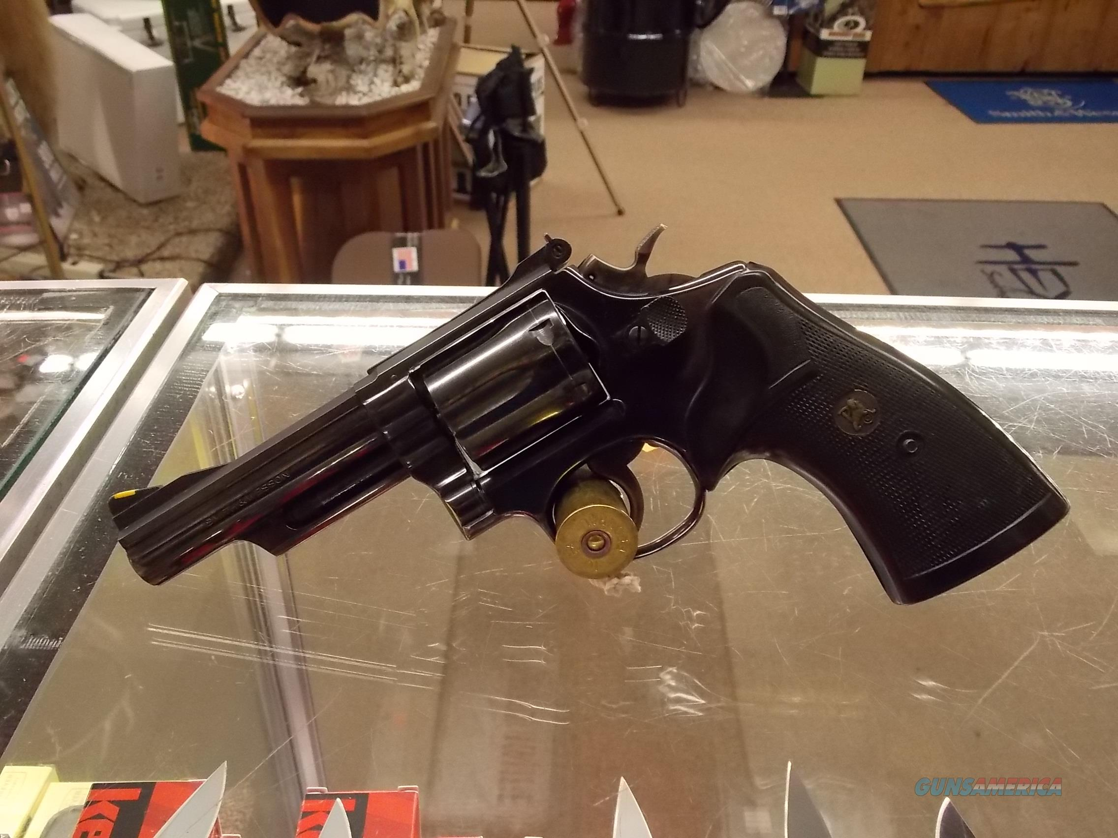 smith and wesson model 19  Guns > Pistols > Smith & Wesson Revolvers > Med. Frame ( K/L )