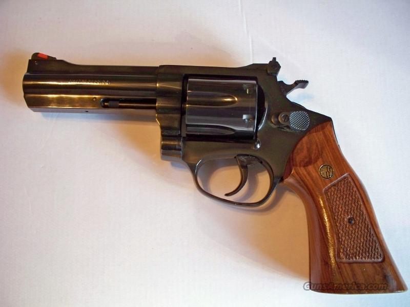 Amadeo Rossi M971 6-shot .357 Magnum Revolver