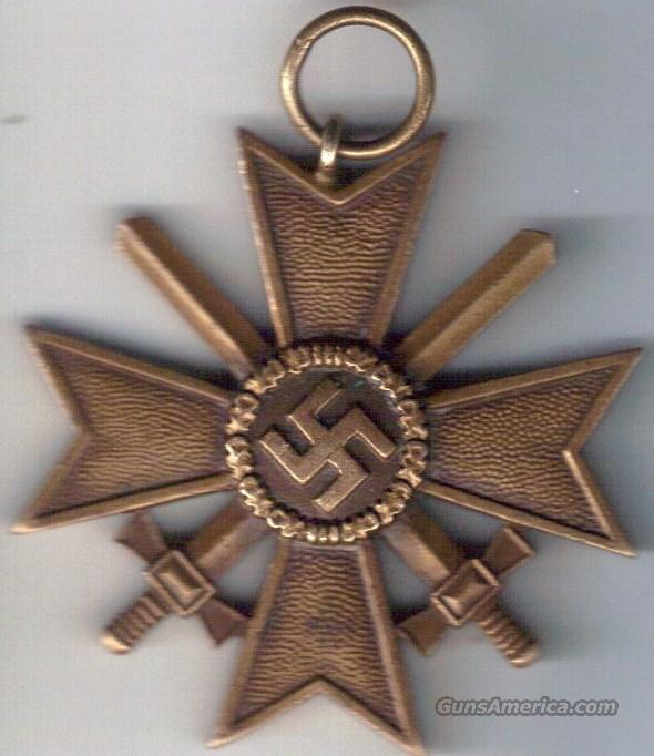 AUTHENTIC WWII GERMAN MERIT CROSS & NAZI CHECKERS  Non-Guns > Military > Memorabilia