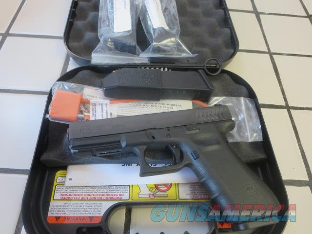 Glock 22 RTF2 Tritium Night Sights .40 10+1 and 15+1 4 mags G22 RTF NS NIB SALE PRICE  Guns > Pistols > Glock Pistols > 22