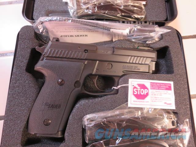 "Sig Sauer P229 .40 3.9"" 10+1 (4 mags) NIB SALE PRICE Night Sight/Fiber Optic No CC Fees P229R 229 229R-40-BTFO  Guns > Pistols > Sig - Sauer/Sigarms Pistols > P229"
