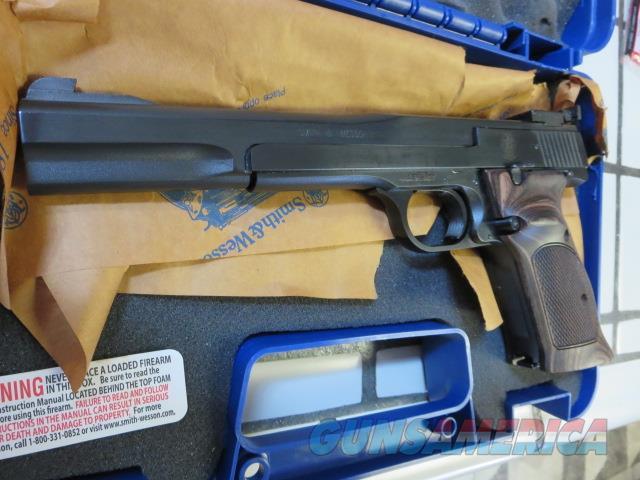 "Smith & Wesson 41 .22lr 7"" 130512 NIB S&W M41 10+1 2 mags SALE  Guns > Pistols > Smith & Wesson Pistols - Autos > .22 Autos"