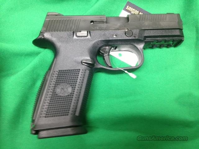FNH FNS-40 .40 S&W pistol black  Guns > Pistols > FNH - Fabrique Nationale (FN) Pistols > High Power Type