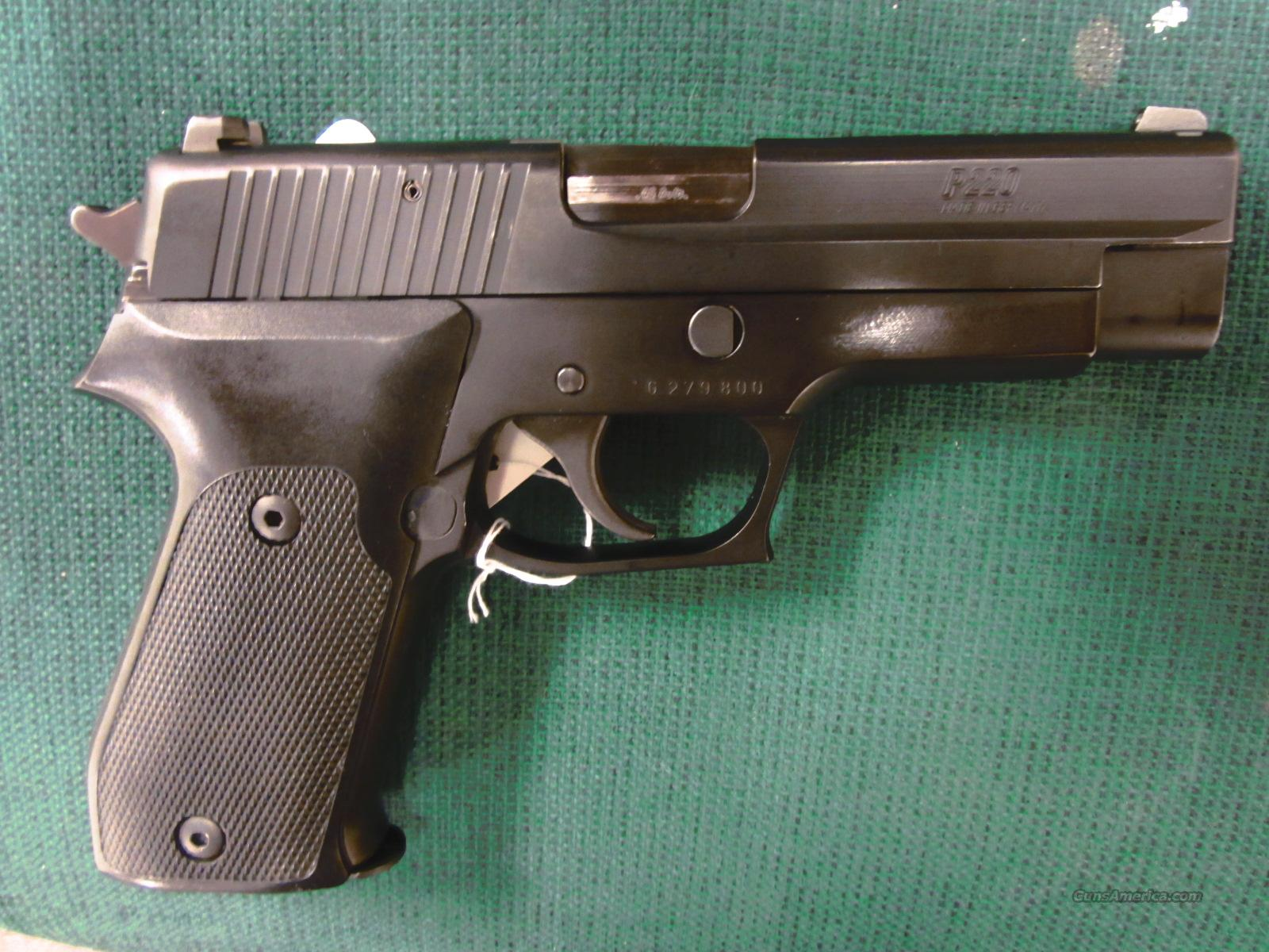 SIG P220 with night sights  Guns > Pistols > Sig - Sauer/Sigarms Pistols > P220