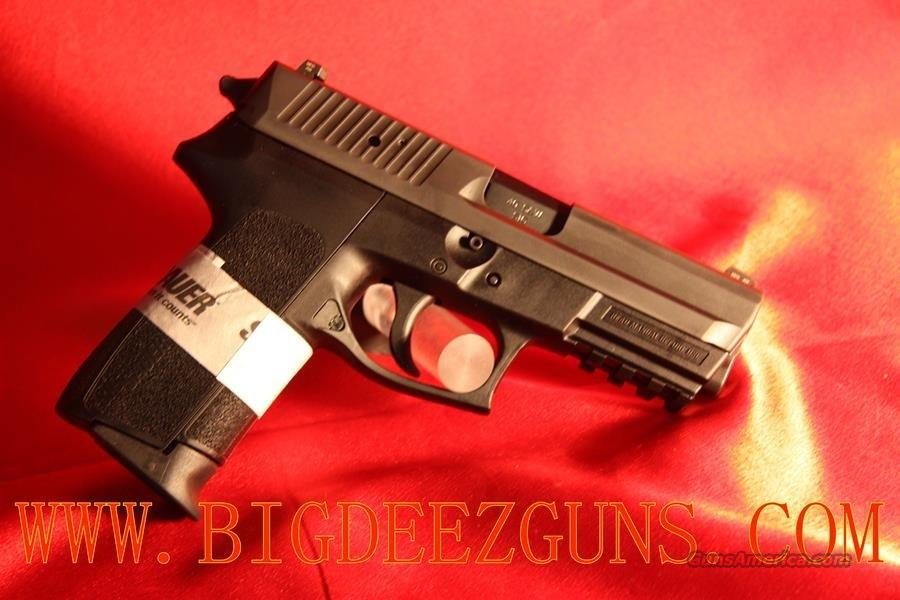 Sig Sauer SIGPRO TACPAC SP2022 .40S&W SIGLITE NIGHT SIGHT 12 ROUND CAPACITY WITH LIGHT LASER SPEED LOADER HOLSTER TACTICAL PACKAGE E2022-40-BSS-TACPAC-L   Guns > Pistols > Sig - Sauer/Sigarms Pistols > 2022