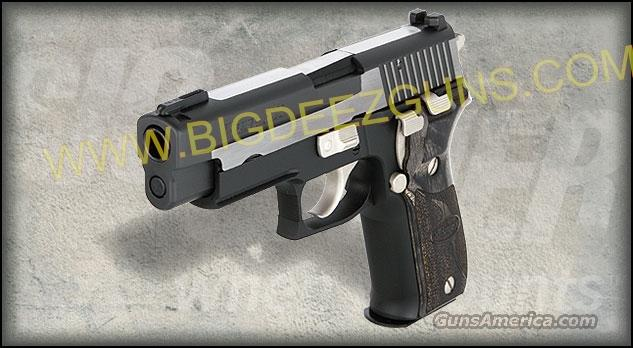 NEW FREE SHIPPING Sig Sauer P 226 EQUINOX 12 + 1 40 S&W 2 Magazines E26R-40-EQ  Guns > Pistols > Sig - Sauer/Sigarms Pistols > P226