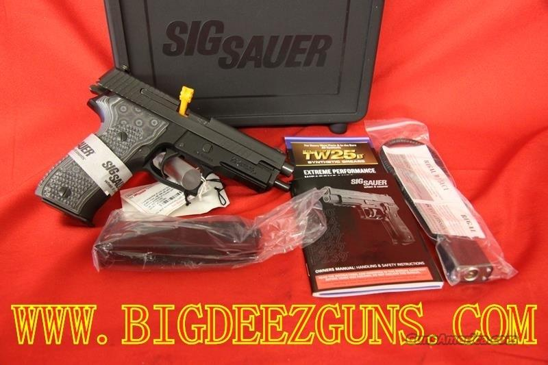SIG SAUER P226 .40S&W EXTREME 12RND SHORT RELEASE TRIGGER E26R-40-XTM-BLKGRY  Guns > Pistols > Sig - Sauer/Sigarms Pistols > P226