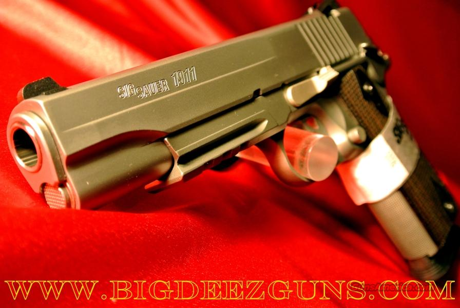 Sig Sauer 1911 STAINLESS RAIL 8 + 1 45 ACP 2 Magazines 1911R-45-SSS  Guns > Pistols > Sig - Sauer/Sigarms Pistols > 1911