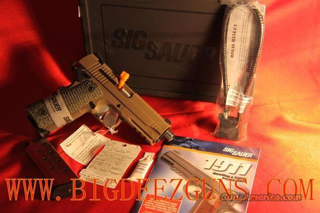 Sig Sauer 1911 .45acp CARRY SCORPION Railed/SigLite Night Sights 1911CAR-45-SCPN  Guns > Pistols > Sig - Sauer/Sigarms Pistols > 1911