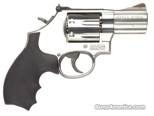 "Smith & Wesson 686 Plus Distinguished Combat Magnum 357 2.5"" Barrel  Guns > Pistols > Smith & Wesson Revolvers > Full Frame Revolver"