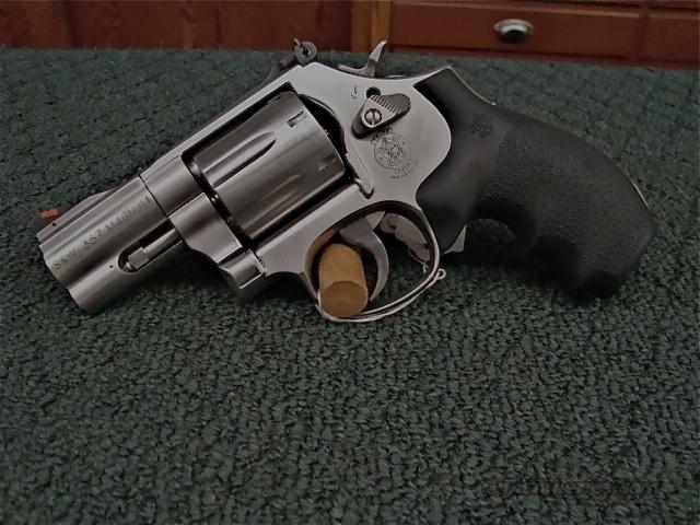 Smith & Wesson model 686 Combat Magnum  Guns > Pistols > Smith & Wesson Revolvers > Full Frame Revolver