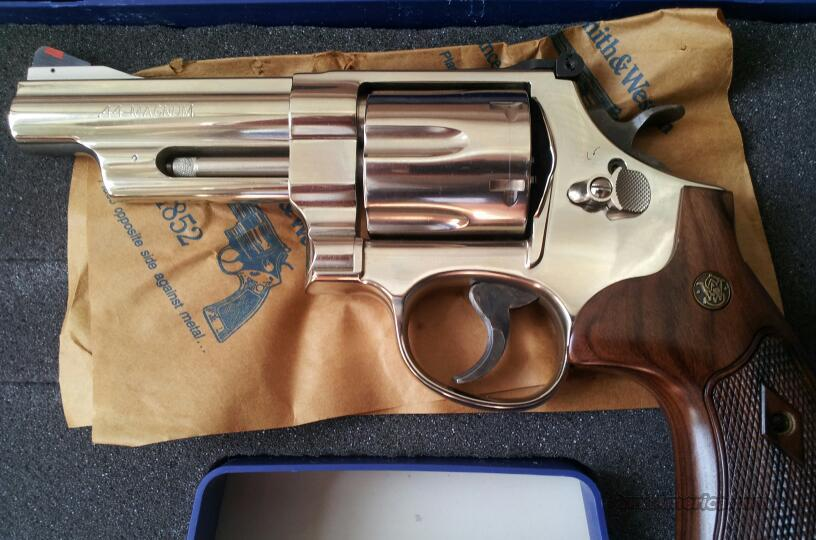 "*NEW* Smith and Wesson 44 Magnum Nickel Finish 4""  Guns > Pistols > Smith & Wesson Revolvers > Full Frame Revolver"
