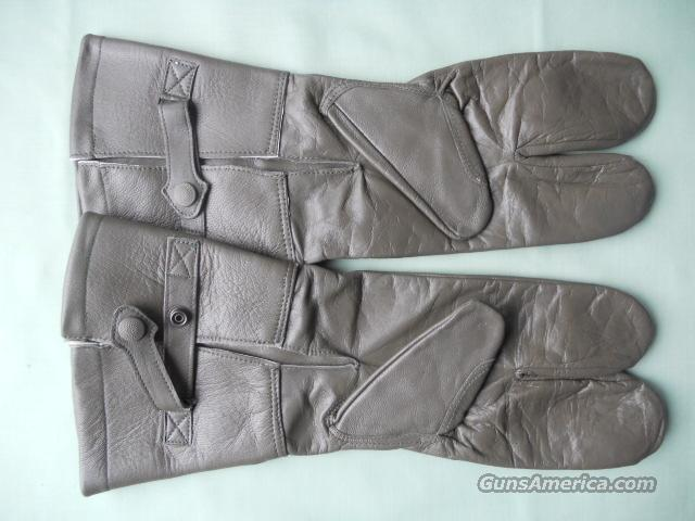 EAST GERMAN MOTOCYCLE GLOVES  Non-Guns > Military > Cold Weather Gear