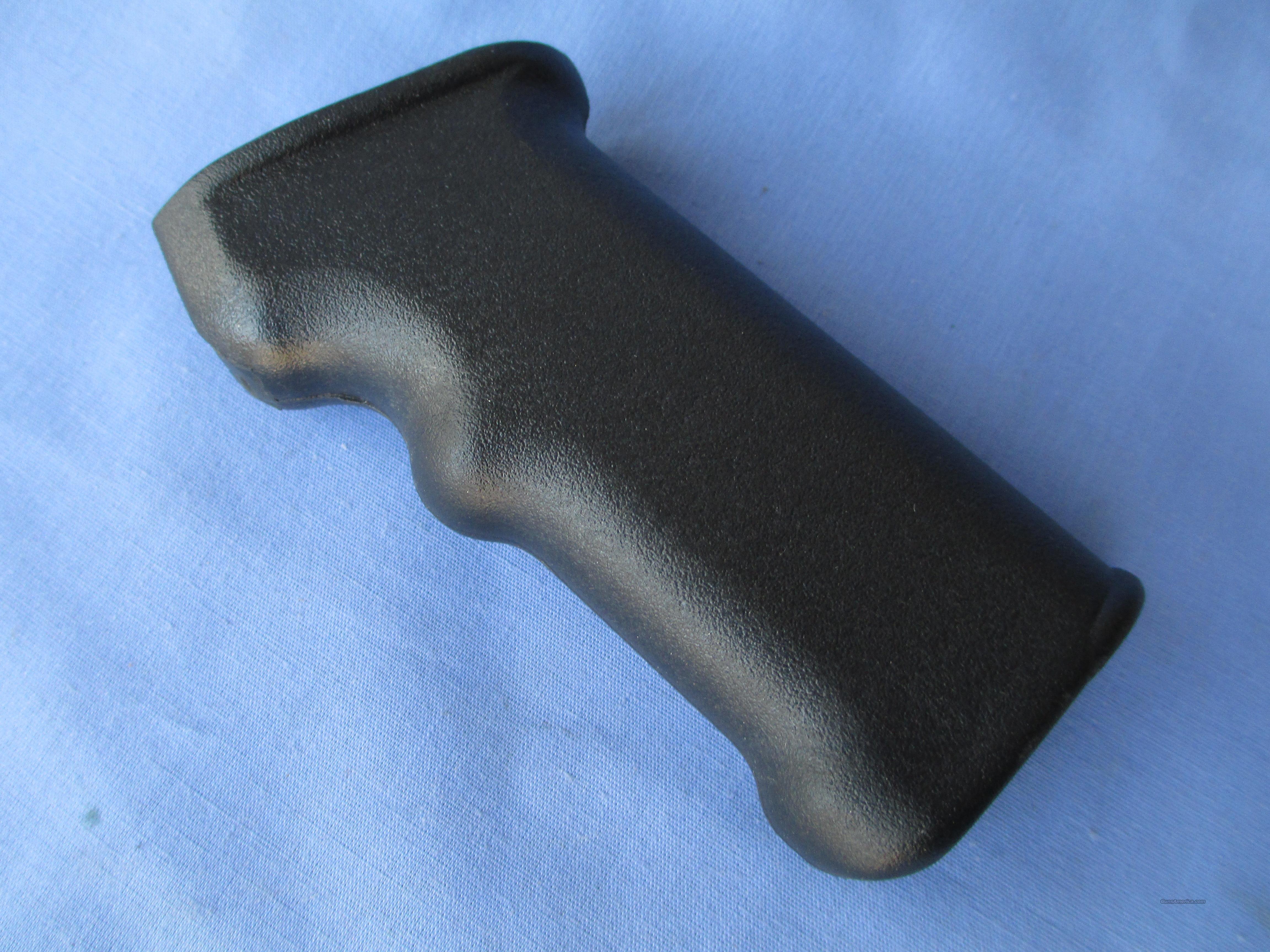 AK47 US MFG. PISTOLGRIP......BLACK  Non-Guns > Gun Parts > Military - Foreign