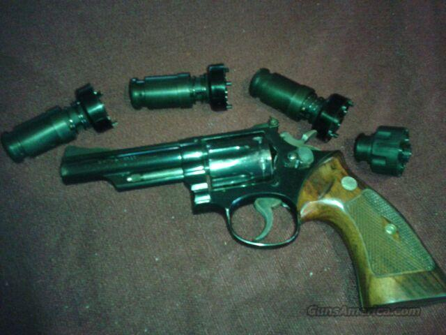 Smith Wesson .357 S&W Model 19 w/extras  Guns > Pistols > Smith & Wesson Revolvers > Full Frame Revolver