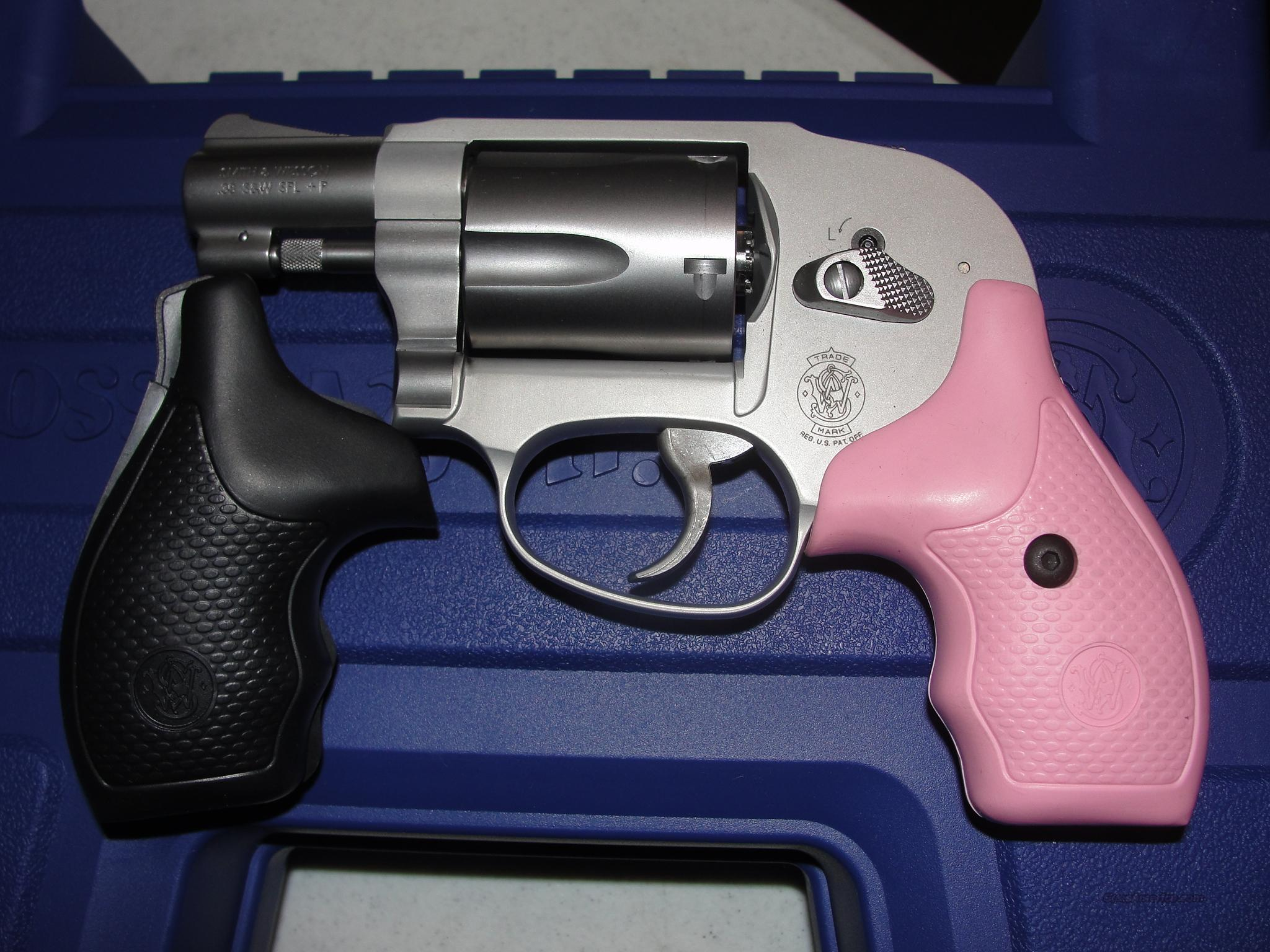 S&W M638 38 1 7/8 PINK & BLACK GRIPS SS   Guns > Pistols > Smith & Wesson Revolvers > Pocket Pistols