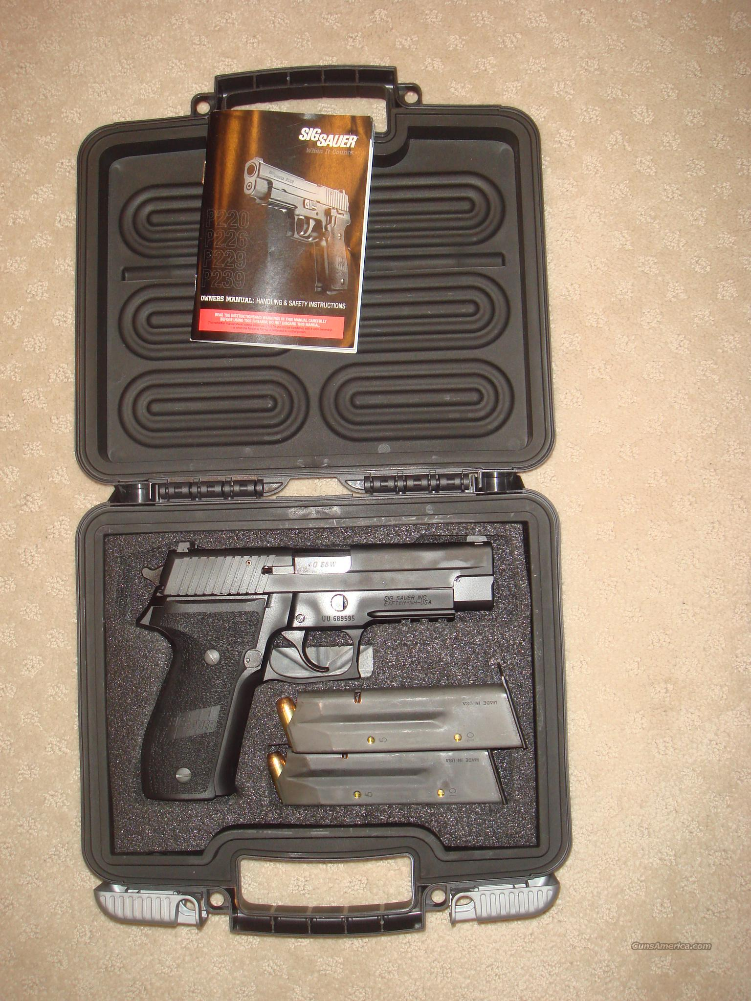 Sig Sauer P226 near new 40 S/W  Guns > Pistols > Sig - Sauer/Sigarms Pistols > P226