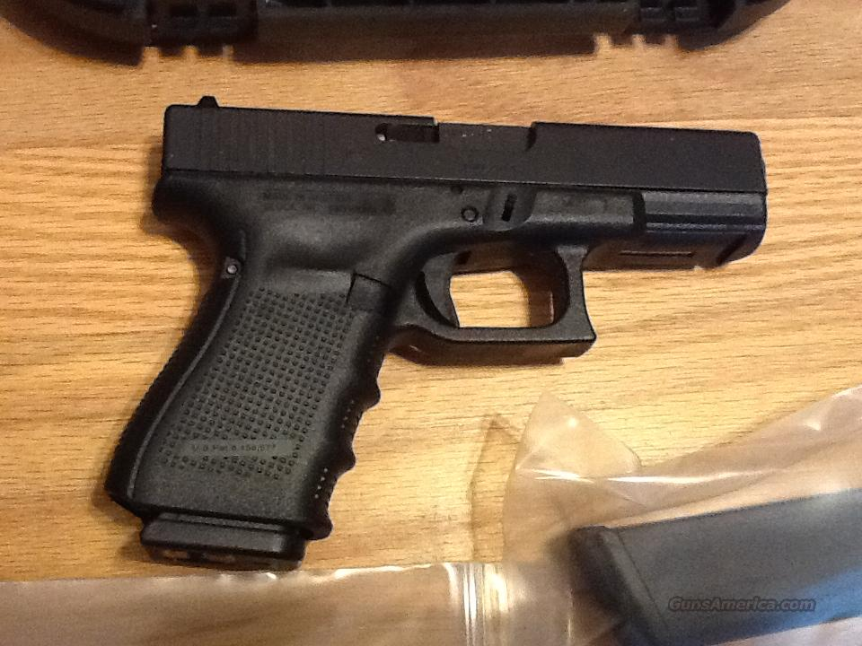 Glock 19 Gen 4  9mm w/3 hi cap 15+1 round magazines G19 New in case  Guns > Pistols > Glock Pistols > 19