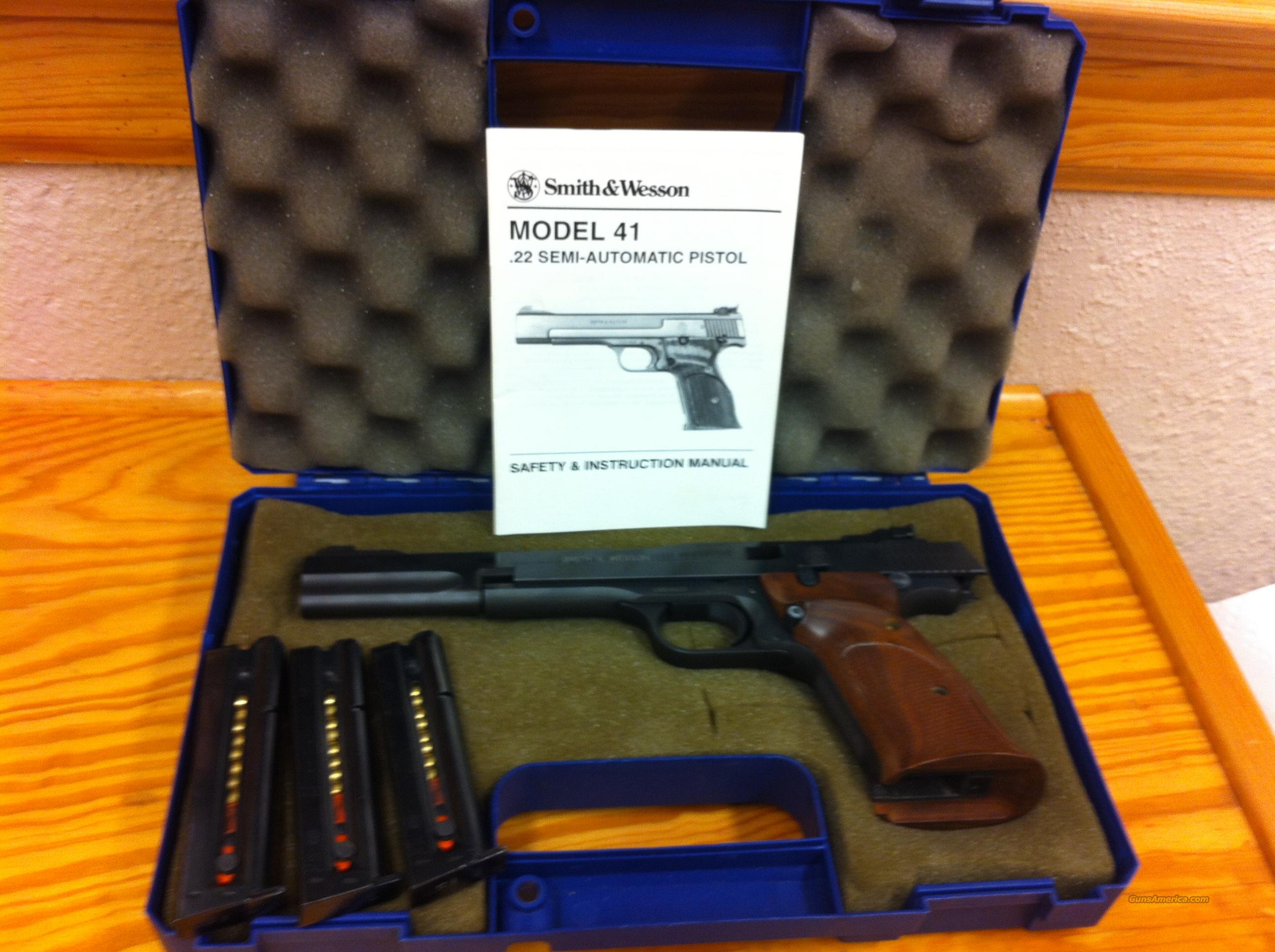 Smith and Wesson Model 41 target pistol  Guns > Pistols > Smith & Wesson Pistols - Autos > .22 Autos