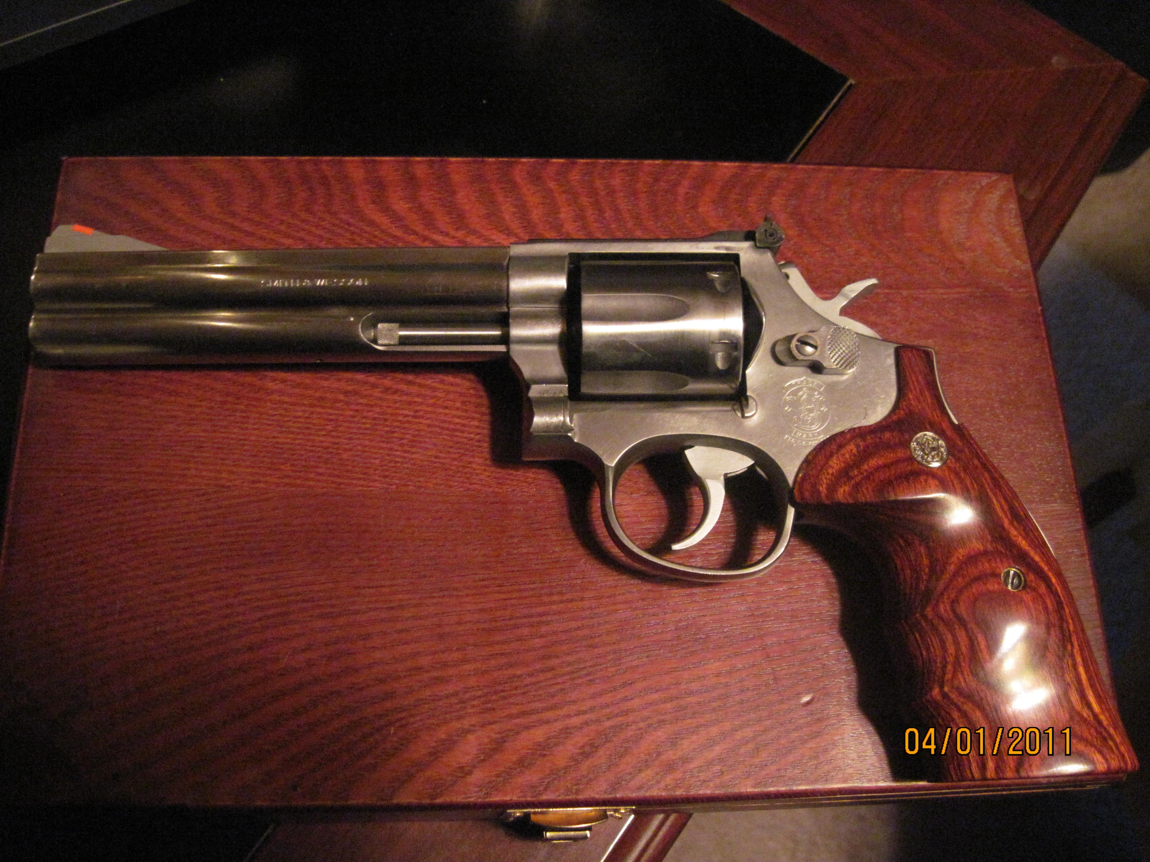 Smith & Wesson model 686-1  Guns > Pistols > Smith & Wesson Revolvers > Full Frame Revolver