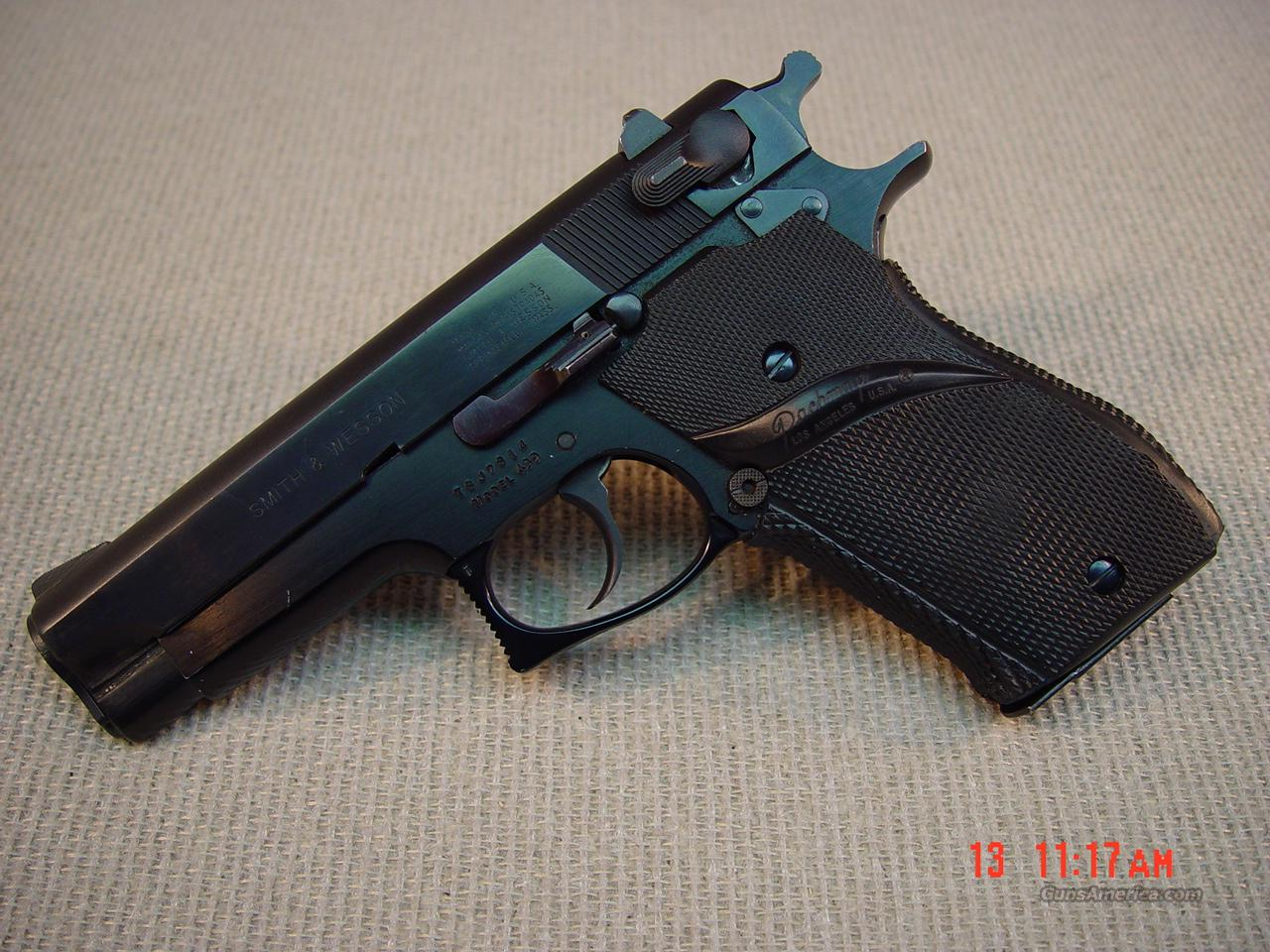 SMITH & WESSON Model 439 9mm  Guns > Pistols > Smith & Wesson Pistols - Autos > Steel Frame
