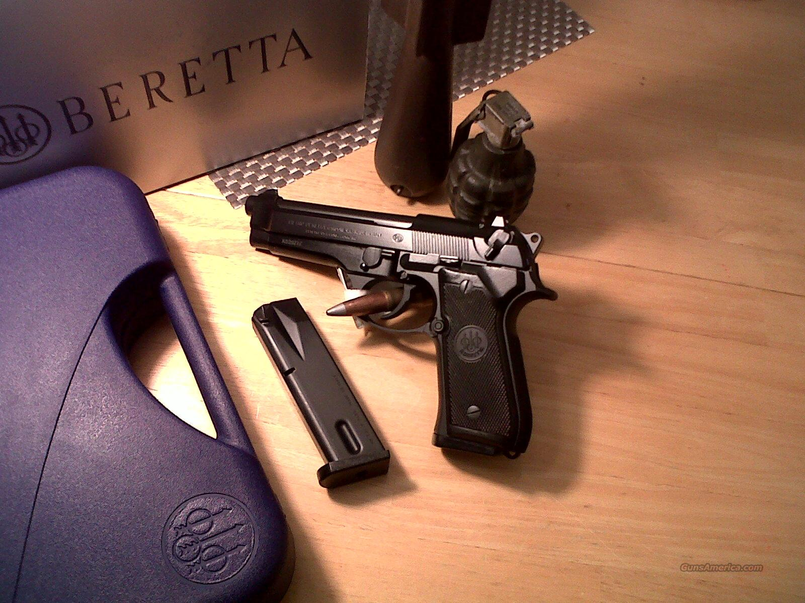 "Beretta 92FS Catalog code:JS92F300M 9mm ITALY 15 round 4.9"" barrel 3-dot sight Blued NEW in box  Guns > Pistols > Beretta Pistols > Model 92 Series"