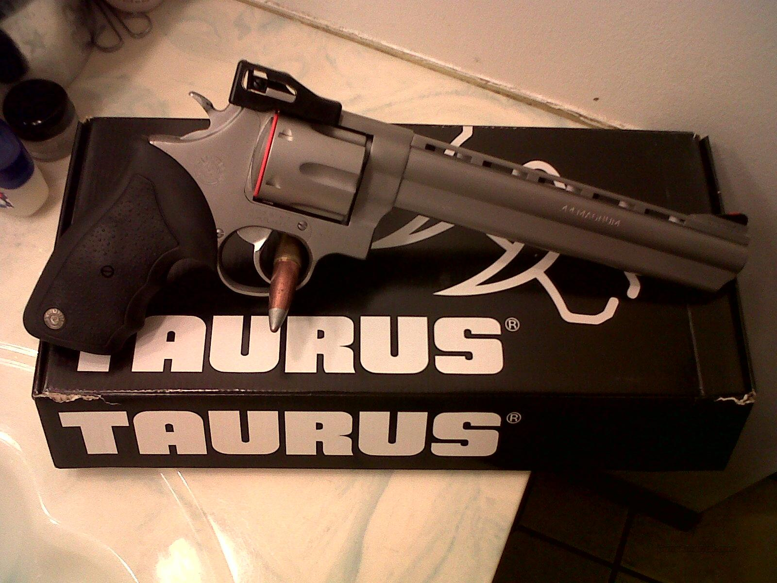 "Taurus model M44CP 8 3/8""Vent ribbed Ported barrel Matte stainless finish, 44 Magnum 6 shot NEW model#2-440089 fully adjustable sights,Rubber grip  Guns > Pistols > Taurus Pistols/Revolvers > Revolvers"