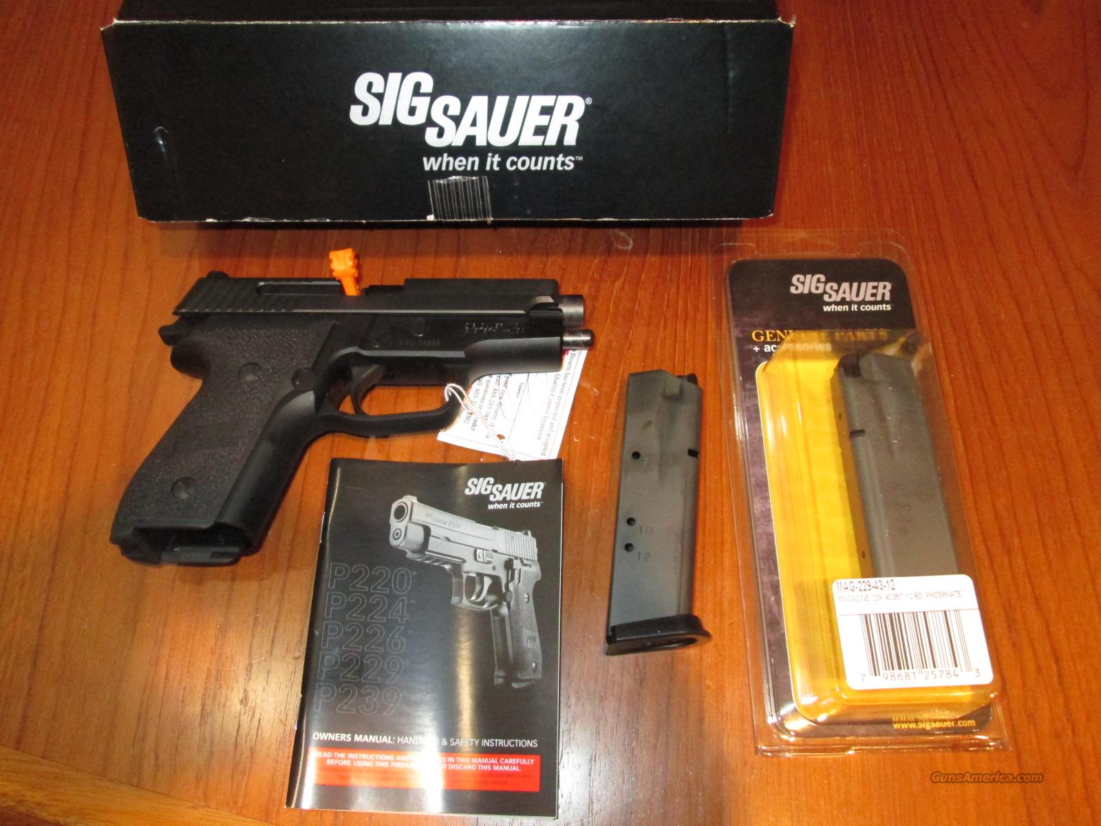 3 DAY SALE! SIG P229 40 S&W Night Sites  Guns > Pistols > Sig - Sauer/Sigarms Pistols > P229