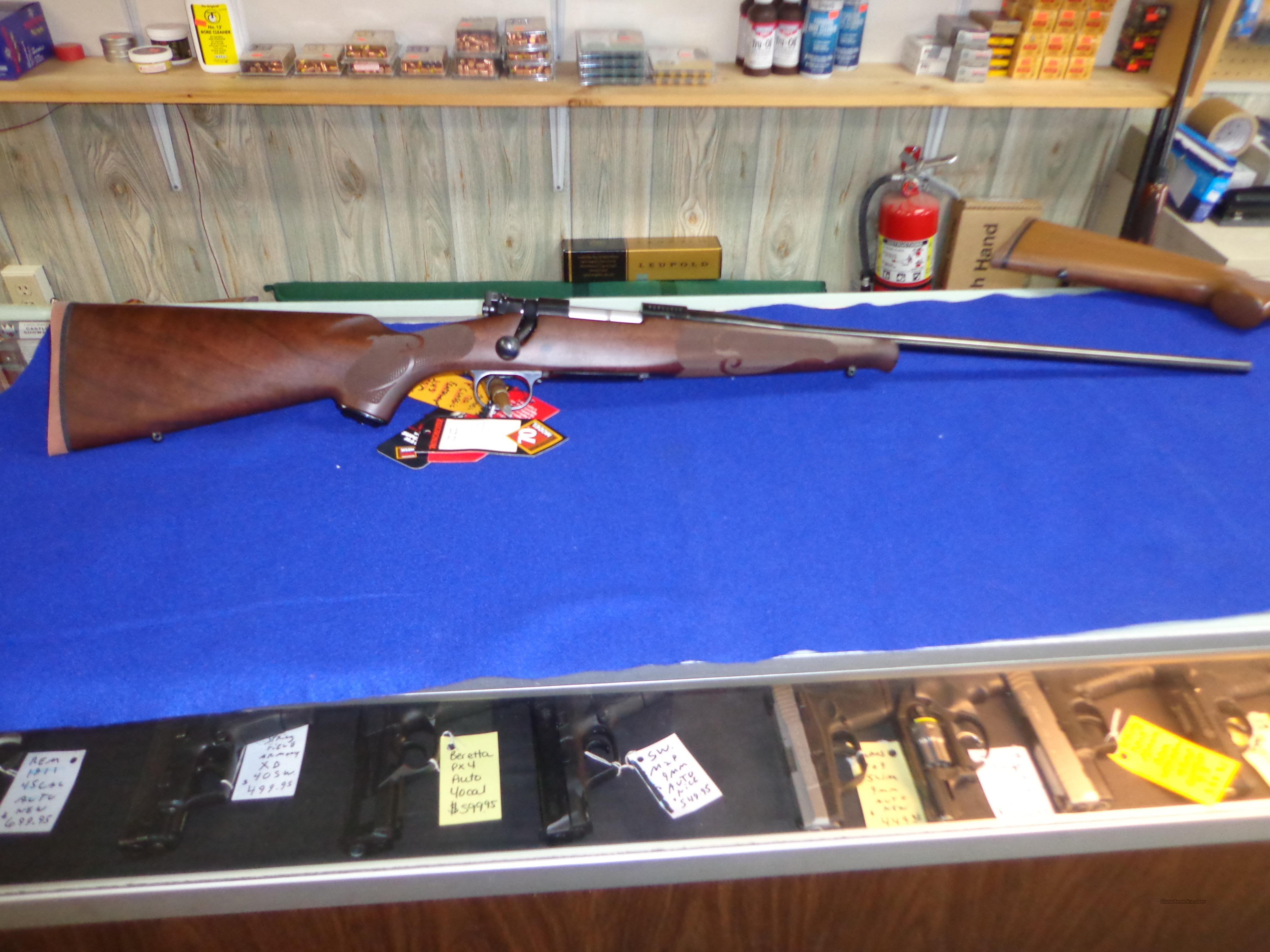 WINCHESTER MODEL 70 CLASSIC 243 WSSM  Guns > Rifles > Winchester Rifles - Modern Bolt/Auto/Single > Model 70 > Post-64