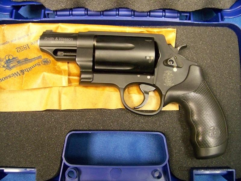 Smith & Wesson Governor (w/o Laser Grips)  Guns > Pistols > Smith & Wesson Revolvers > Full Frame Revolver