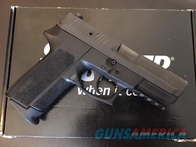 Sig SP2022 Pistol In 40 S&W w night sights and rail  Guns > Pistols > Sig - Sauer/Sigarms Pistols > 2022