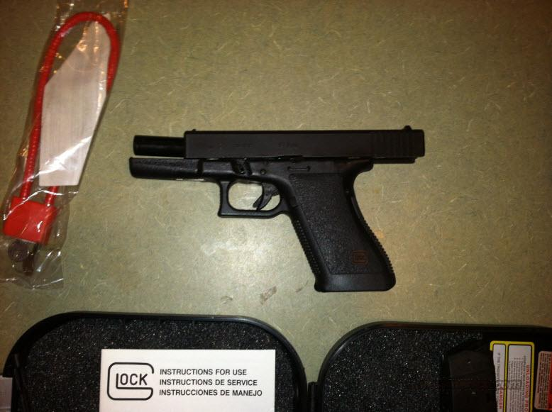Glock 21- With (11) 13 Rd Clips 45 ACP  Guns > Pistols > Glock Pistols > 20/21