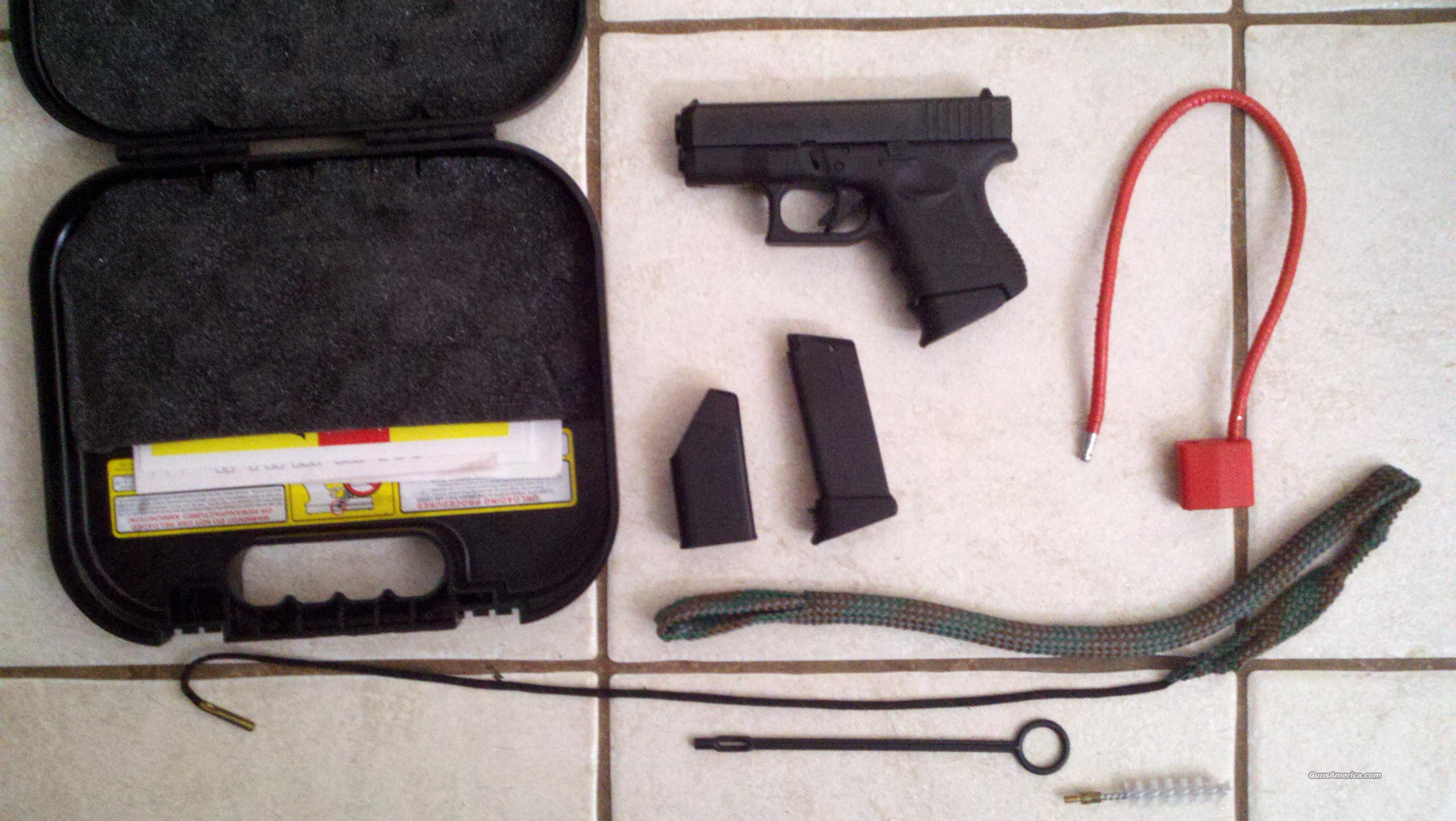 Glock 27 w/2 mags and mag grip extensions  Guns > Pistols > Glock Pistols > 26/27